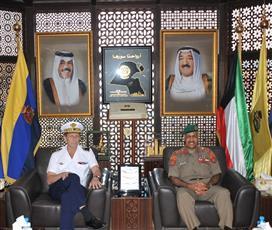 الكويت وفرنسا بحثتا التعاون العسكري