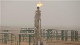 النفط يعوض بعض خسائره ويرتفع بفعل مخاوف بشأن المعروض