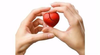 القلب المكسور.. تُعرّض النساء للإصابة بالسكتة
