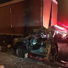 وفاة امرأة وإصابة شخص جراء تصادم على السابع