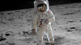 الصين: هبوط الأمريكيين على سطح القمر في رحلة أبولو الشهيرة.. خدعة مدبرة ببراعة