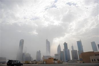 الأرصاد: الطقس غائم وبارد خلال النهار والليل والرياح متقلبة الاتجاه