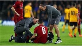 لوفرين يغيب عن ليفربول بعد إصابته في عضلات الفخذ الخلفية أمام ولفرهامبتون