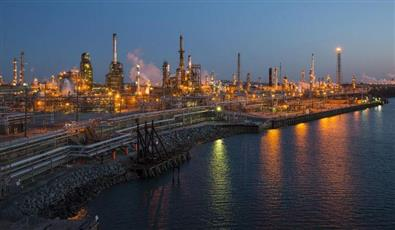 النفط يرتفع بفضل آمال حل النزاع التجاري بين أمريكا والصين