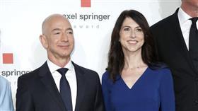 طلاق مؤسس أمازون من زوجته يفقده لقب الأغنى في العالم