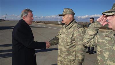 وزير الدفاع التركي: أعددنا الخطط لعملية شرق الفرات في سوريا
