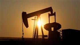 النفط يهبط حوالي 2% وسط مخاوف بشأن الاقتصاد العالمي