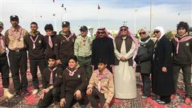 وكيل وزارة التربية الدكتور سعود الحربي والوكيل المساعد للتنمية التربوية والأنشطة فيصل المقصيد خلال افتتاح المخيم الكشفي ال72
