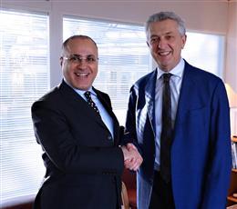 مفوض الامم المتحدة السامي لشؤون اللاجئين فيليبو غراندي مع مندوب الكويت الدائم لدى الامم المتحدة  السفير جمال الغنيم