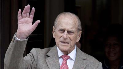 بعد يومين على نجاته من حادث سير الأمير فيليب يعود لقيادة ...