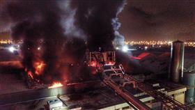 «الإطفاء»: 6 فرق سيطرت على حريق مستودعات في الشويخ الصناعية.. دون وقوع إصابات