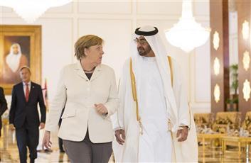 ميركل تبحث مع ولي عهد ابوظبي هاتفيا القضايا الاقليمية والدولية