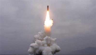 زعيم كوريا الشمالية يهنئ منفذي إطلاق صاروخ بالستي سقط في اليابان