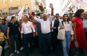 البرتغاليون يصوتون في انتخابات عامة من المتوقع أن يحتفظ فيها الاشتراكيون بالسلطة