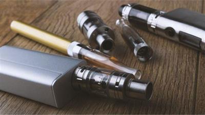 الإمارات تفرض ضريبة على أدوات التدخين الإلكترونية.. ديسمبر المقبل