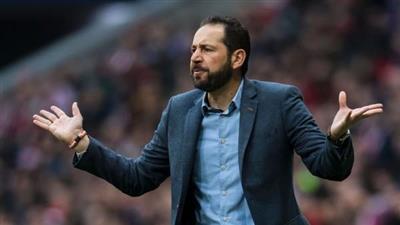 إسبانيول يقيل مدربه بعد البداية الباهتة للفريق