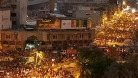 المتظاهرون العراقيون يكسرون حظر التجول في بغداد