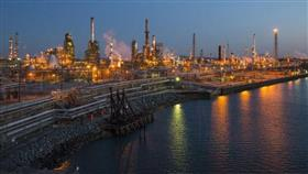 أسعار النفط تنخفض بفعل بيانات ضعيفة من الصين