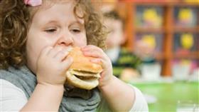 دراسة: الوجبات السريعة سبب رئيسي لبدانة الأطفال