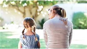5 أشياء لا تقلها لطفلك لسلامة صحته العقلية
