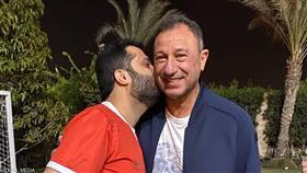 بالأحضان والقبلات.. تركي آل الشيخ في منزل الخطيب