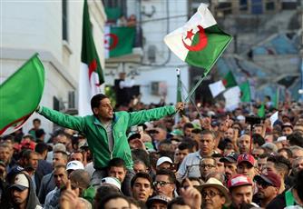 الجزائريون يتظاهرون في الجمعة الـ 38
