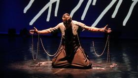جانب من العرض المسرحي التونسي في انطلاق المهرجان