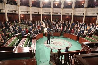 البرلمان التونسي المنتخب يفتتح دور الانعقاد وسط الاحتجاجات والتحذيرات