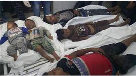 بينما هم نائمون.. غزة تستيقظ على مجزرة