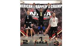 اللاعب عقيل بوصخر يحرز ذهبية بطولة أمريكا «NAGA» للجوجيتسو في نيوجيرسي