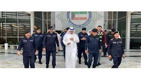 مدير عام بلدية الكويت خلال الجولة الميدانية