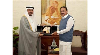 السفير جاسم الناجم مع نائب الرئيس الهندي فينكايا نايدو