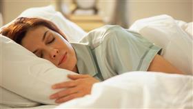 النوم أقل من 5 ساعات خطر على عظام المرأة