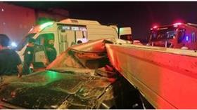 إصابة شخص بإصابات بليغة نتيجة حادث تصادم وقع بين مركبتين على طريق الغوص