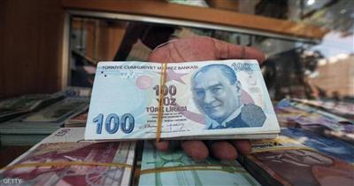 فقدت العملة التركية قرابة 30 في المئة من قيمتها