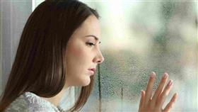 الاكتئاب الشتوي: الأعراض، وطرق العلاج