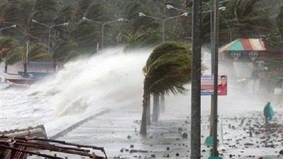 الفلبين تغلق مطار مانيلا إثر إعصار «كاموري»