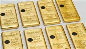 الذهب قرب أعلى مستوى في شهر ومخاوف التجارة تعزز المشتريات