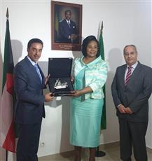 السفير حمد المشعان مع نائب وزير الخارجية الغابونية