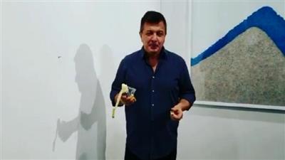 فنان يلتهم «عملا فنيا» بيع بـ 120 ألف دولار
