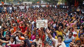 احتجاجات تعمّ الهند إثر اغتصاب طبيبة وقتلها