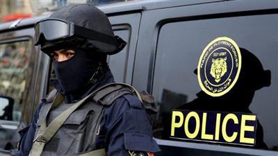 القبض على فلسطيني هدد بتفجير نفسه قرب أحد البنوك بمصر
