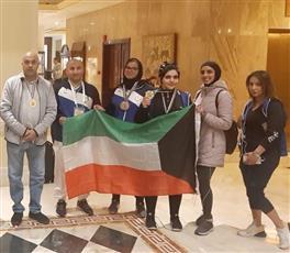 لاعبات منتخب الكويت لرفع الأثقال