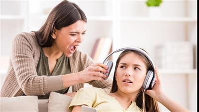 كيف تضبط أطفالك دون أن تصرخ أو ترفع صوتك؟