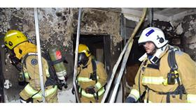 إصابة ٧ أشخاص إثر حريق عمارة بمنطقة بنيد القار