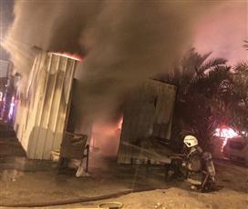 إخماد حريق مخزن في منزل بمنطقة جليب الشيوخ