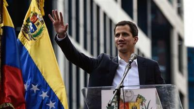 غوايدو: لا استبعد تدخلا عسكريا أمريكيا في فنزويلا