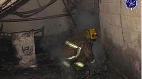 3 فرق إطفاء تسيطر على حريق اسطبلات في كبد