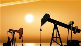 أسعار النفط تميل إلى الانخفاض في آسيا