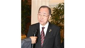 الأمين العام السابق للأمم المتحدة: دور سمو الأمير القيادي في العمل الإنساني والوساطة بالنزاعات.. محل تقدير بالغ